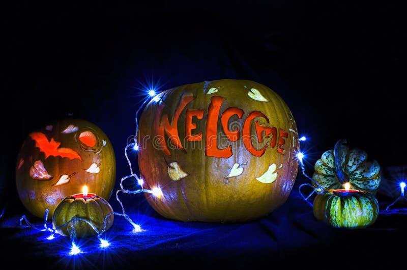 Talla de la calabaza del feliz Halloween fotografía de archivo libre de regalías