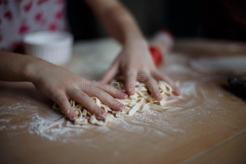 Tallarines de la cocina casera foto de archivo libre de regalías