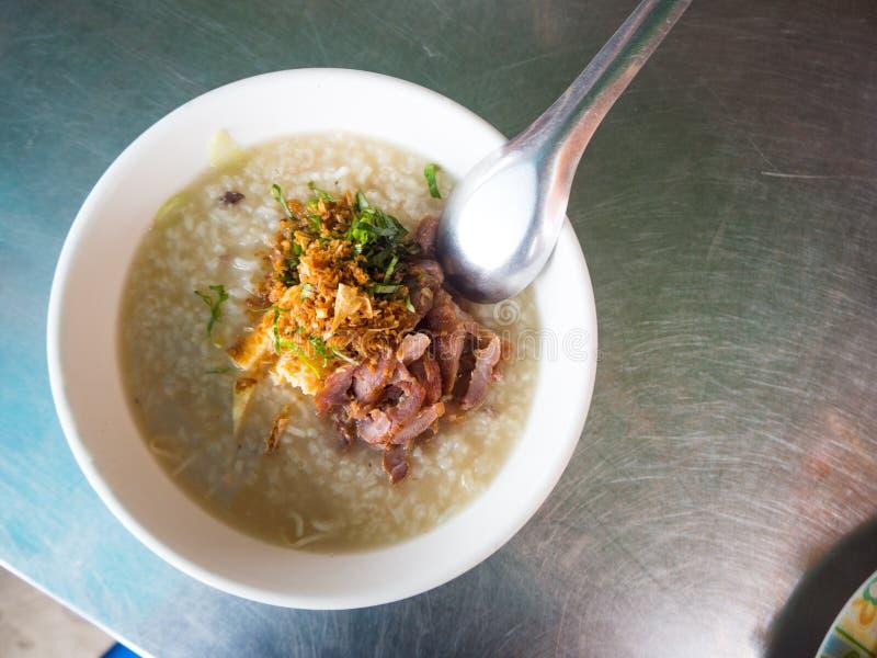 Tallarines de la comida de Camboya con arroz fotografía de archivo libre de regalías