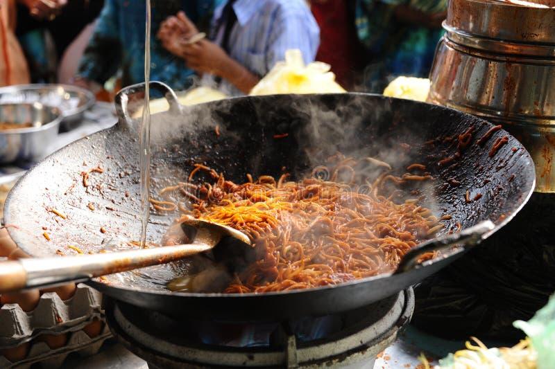 Tallarines fritos estilo del Malay foto de archivo libre de regalías