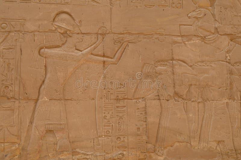 Tallas egipcias en el templo de Luxor fotografía de archivo