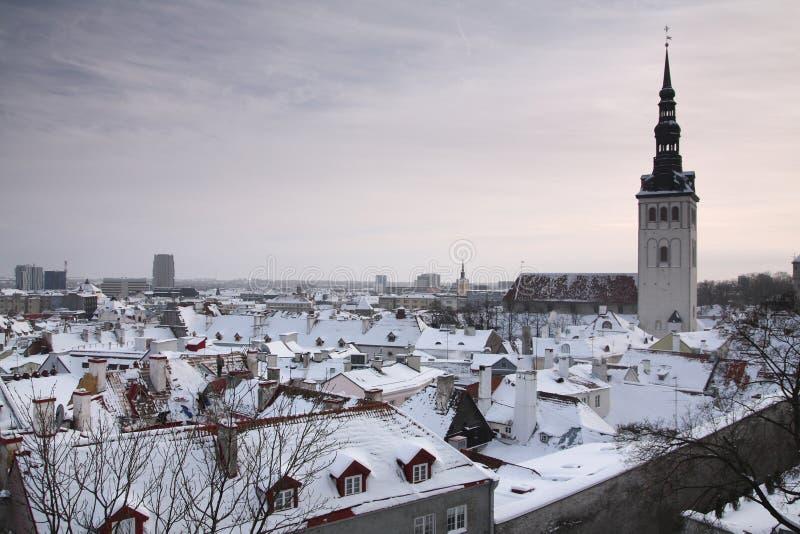 Tallinn in der Winterzeit stockfotografie