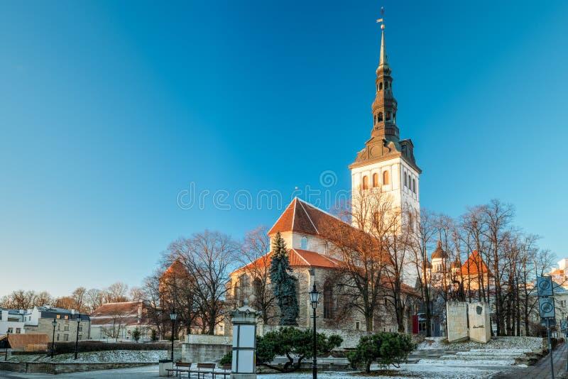 Tallinn, Estónia Igreja de St Nicholas Niguliste Kirik Is Med imagem de stock