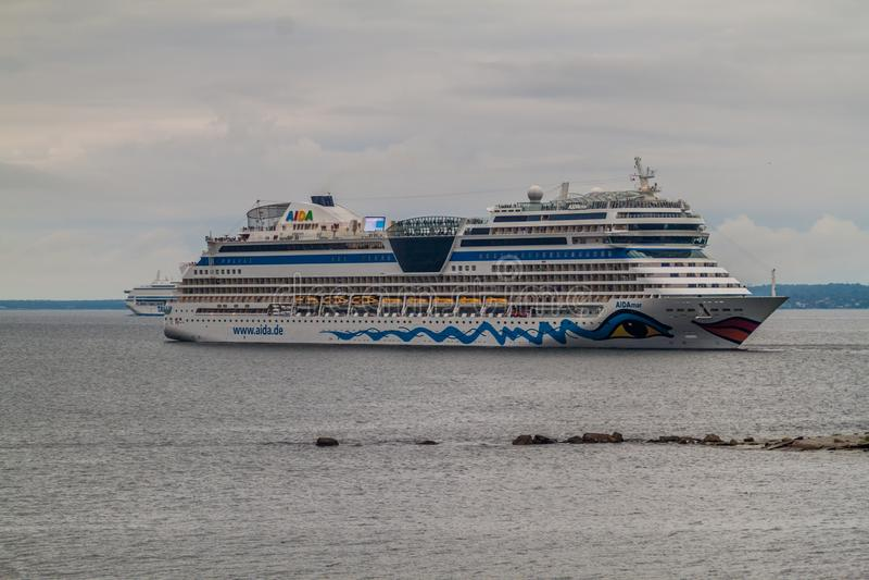 TALLINN, ESTLAND - AUGUSTUS 22, 2016: Aida Diva-cruiseschip in Tallinn, Eston royalty-vrije stock afbeeldingen