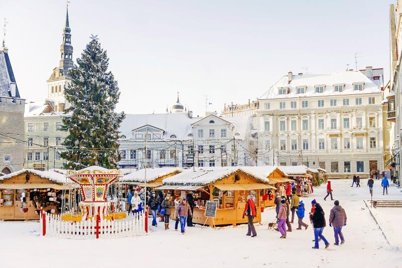 TALLINN, ESTLAND -6 IM JANUAR 2016: Weihnachtsdekoration an der T lizenzfreie stockfotografie