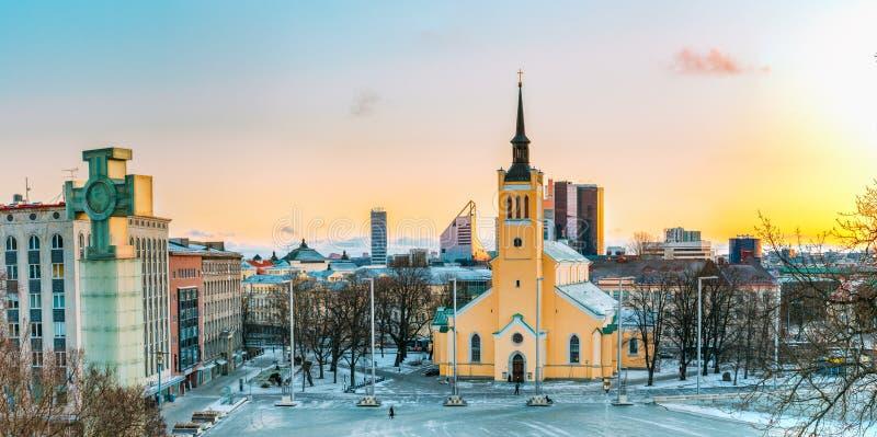 Tallinn, Estland Panorama van Kerk van St John Jaani Kirik At royalty-vrije stock fotografie