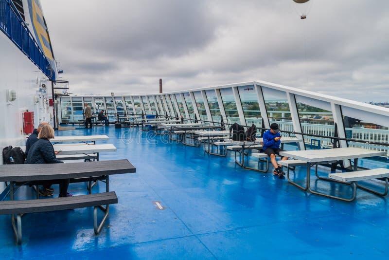 TALLINN, ESTONIA - 24 DE AGOSTO DE 2016: Cubierta de haber poseído cruiseferry del ms Finlandia y haber actuado por el operador f fotos de archivo libres de regalías