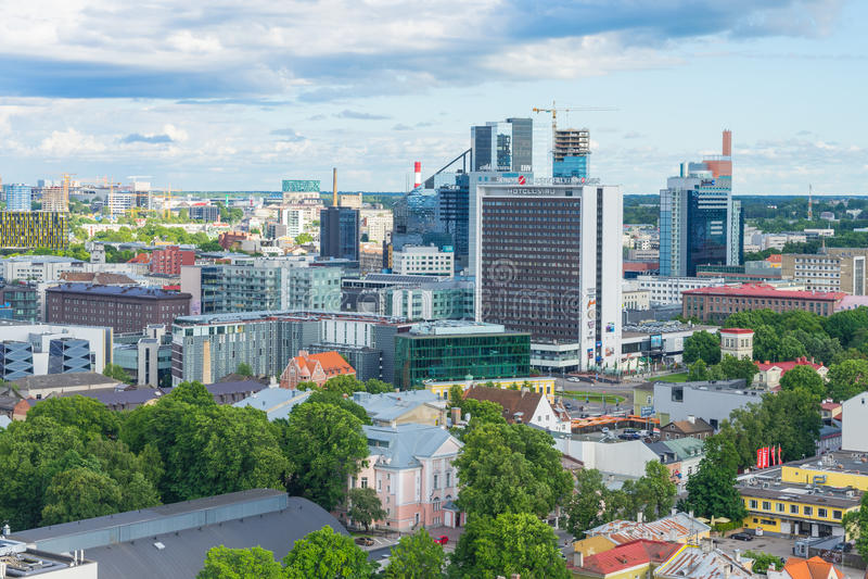 TALLINN, ESTONIA - 05 07 Vista aerea 2017 di Tallinn in un beauti immagini stock