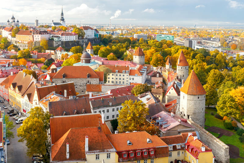 tallinn L'Estonia Vecchia città fotografia stock libera da diritti
