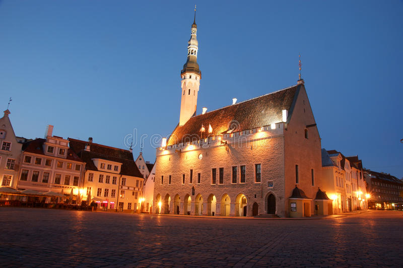 Tallinn medeltida stadshus arkivfoto
