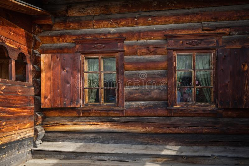 TALTSY,  IRKUTSK REGION, RUSSIA - SEPTEMBER 09, 2019: Traditional Siberian wooden house in the Taltsy Architectural-Ethnographic stock photography