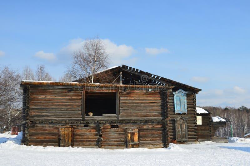 Taltsy, région d'Irkoutsk, Russie, mars, 02, 2017 La maison de Mogileva, 1886 l'année de la construction Irkoutsk architectural-e images libres de droits