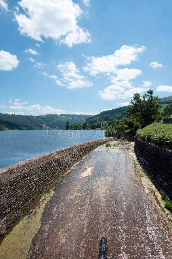 Talybontreservoir in de zomer in Wales royalty-vrije stock afbeeldingen