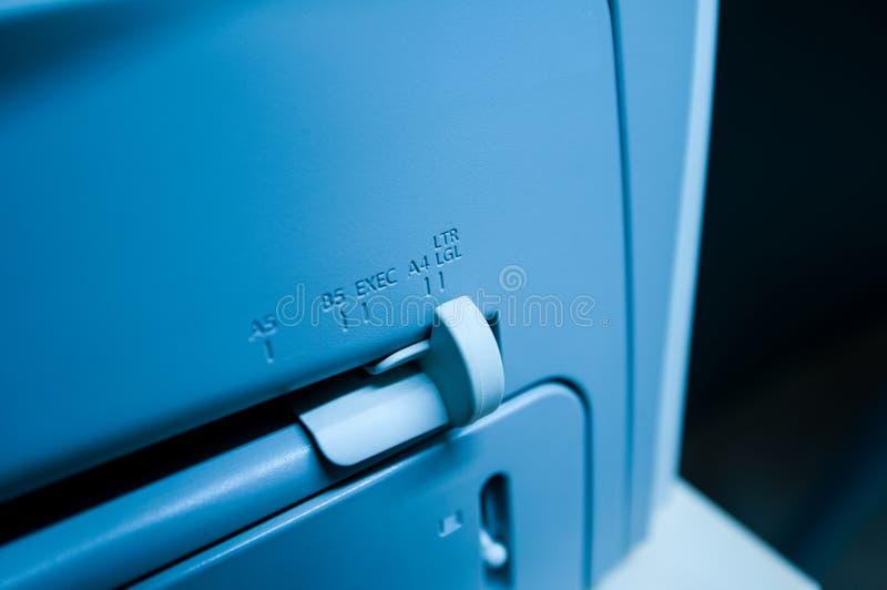 Tamaño del papel en la impresora imágenes de archivo libres de regalías
