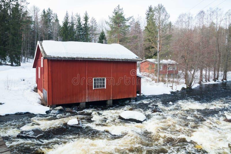 Tama i próg na rzecznym Jokelanjoki, Kouvola, Finlandia obrazy stock