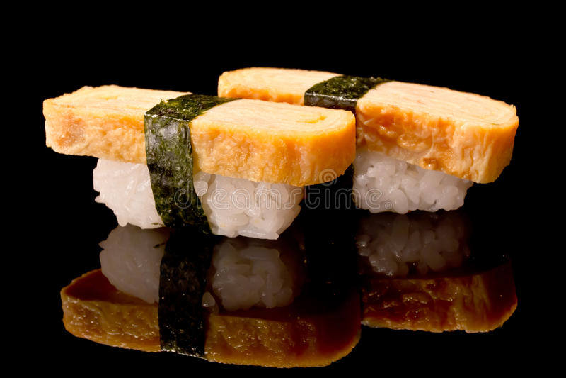 tamago суш nigiri стоковое фото rf
