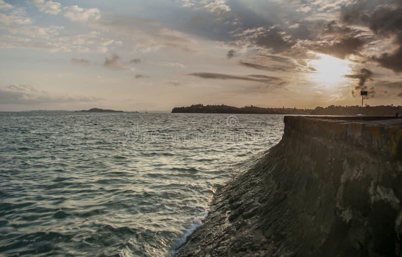 Tamaki Drive-zonsopgang, Auckland, Nieuw Zeeland stock fotografie