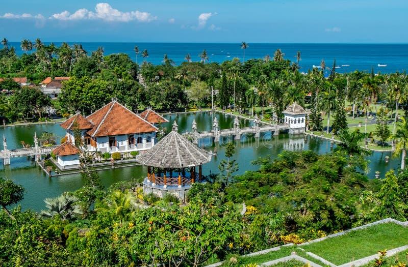Taman Ujung, palacio del agua Fondo del viaje y de la arquitectura Indonesia, isla de Bali imagenes de archivo