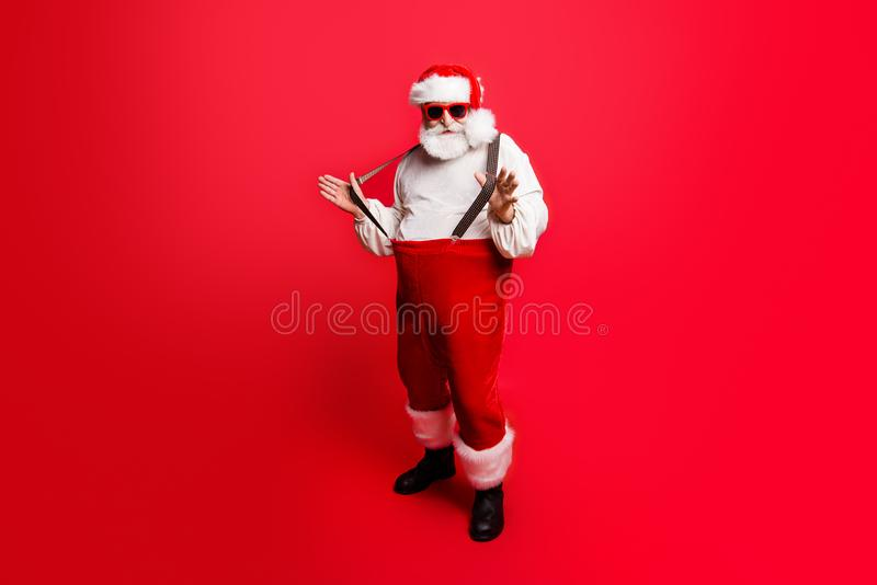Tamanho de corpo completo do comprimento de Santa contente otimista positiva alegre foto de stock royalty free