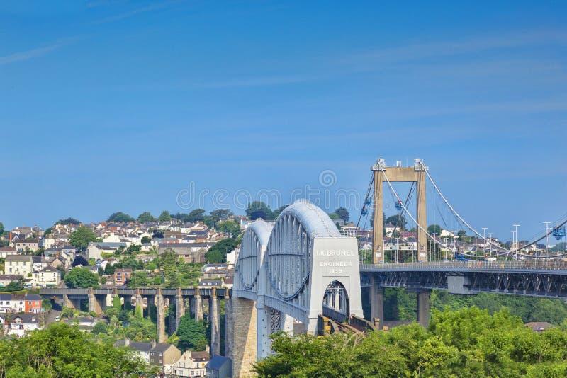 Tamar Bridge en Koninklijk Albert Bridge Plymouth het UK royalty-vrije stock afbeelding