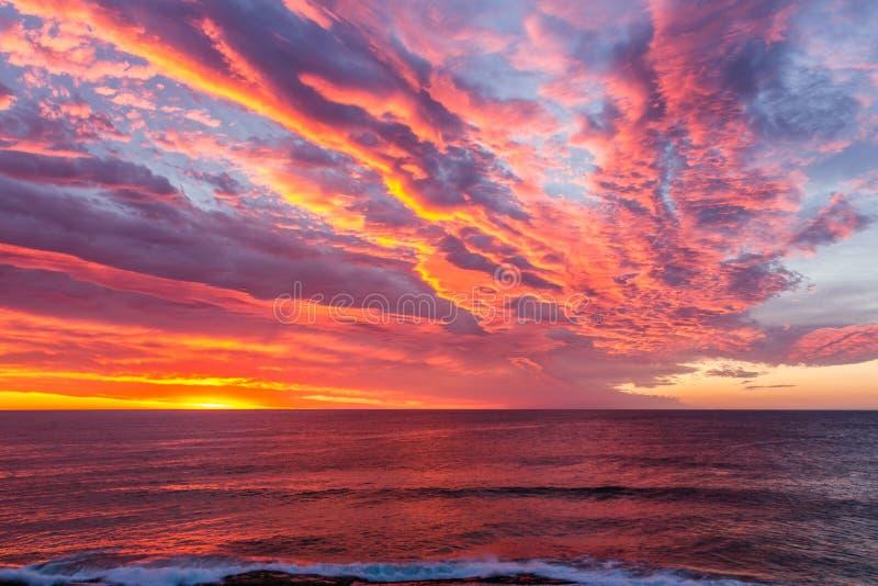 Tamarama en la salida del sol, NSW, Australia imagen de archivo libre de regalías