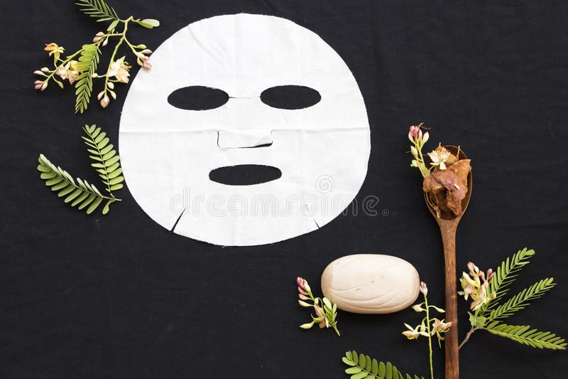 Tamarinier de fines herbes d'arome de feuille d'extrait naturel de masque images stock