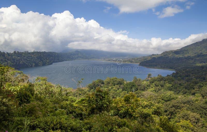 Tamblingan sjö Bali royaltyfria foton
