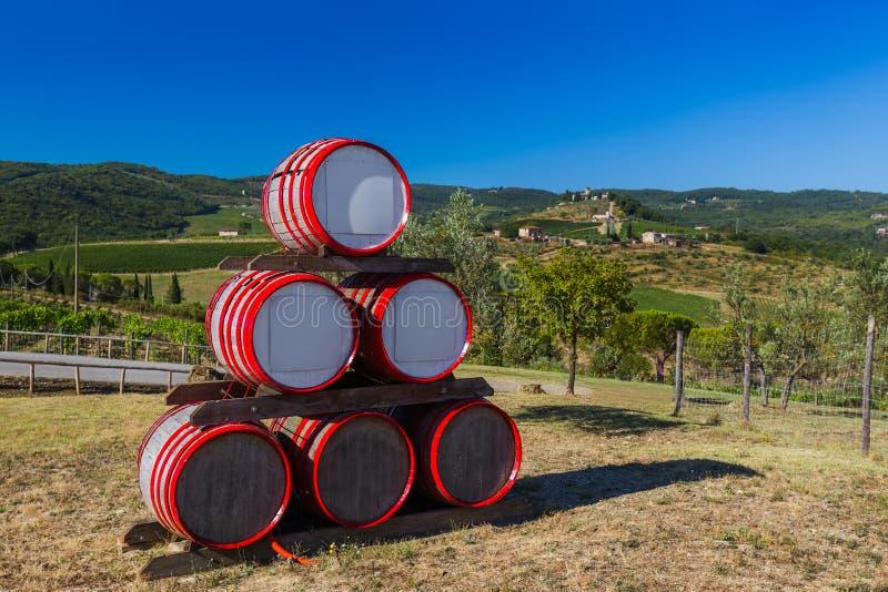 Tambor de vinho na Toscânia Itália fotos de stock royalty free