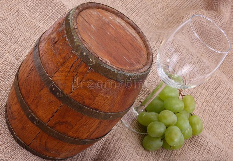 Tambor de vinho velho imagem de stock