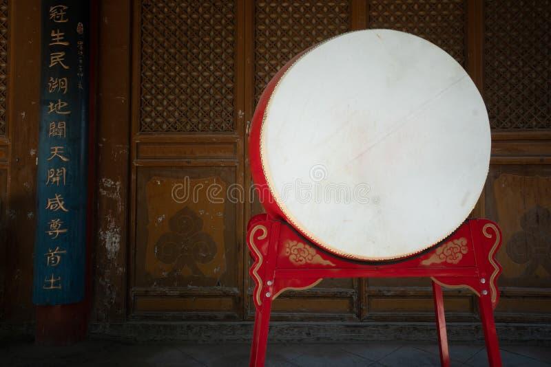 Tambor en el templo de Confucio en Wuwei, China imagenes de archivo