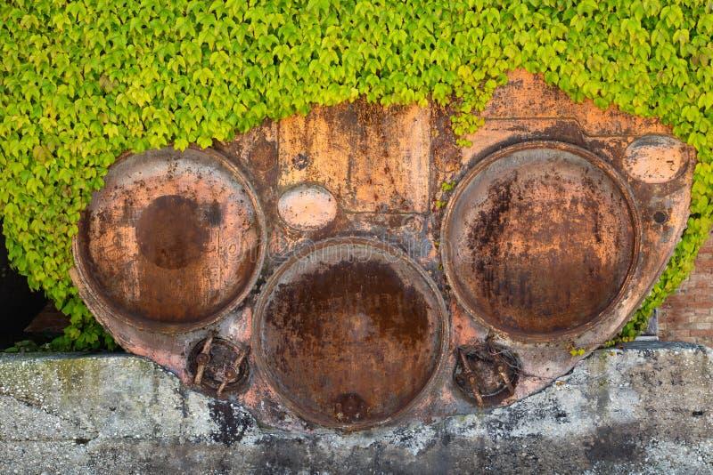 Tambor oxidado grande fotos de stock