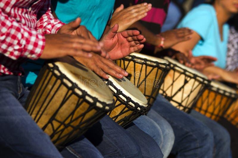 Tambores africanos fotos de archivo