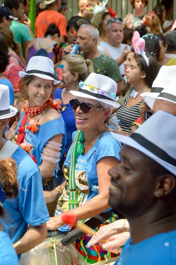 Tambores de la samba en carnaval del Brasil Río de Janeiro foto de archivo libre de regalías