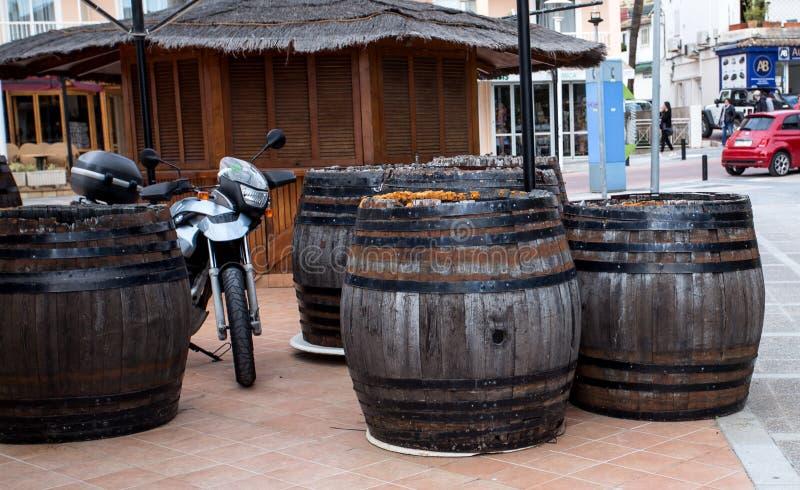 Tambores de madeira para o vinho fotografia de stock royalty free