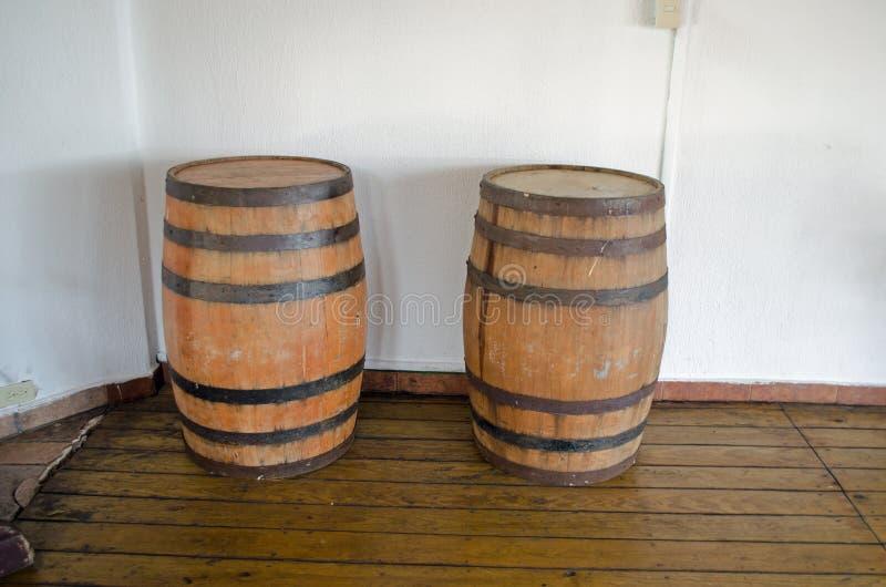 Tambores de madeira velhos fotos de stock