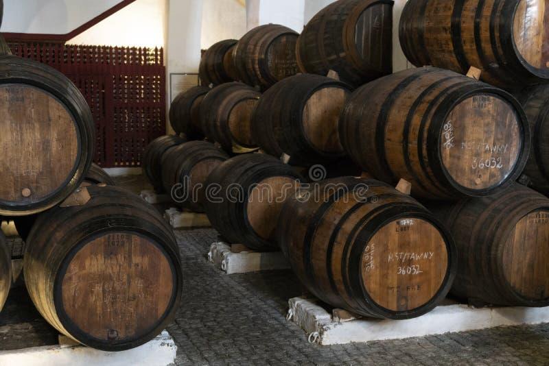 Tambores de vinho de Porto fotos de stock