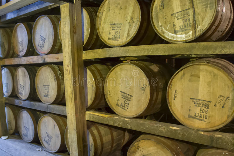 Tambores do bourbon do ` s Mark do fabricante fotos de stock
