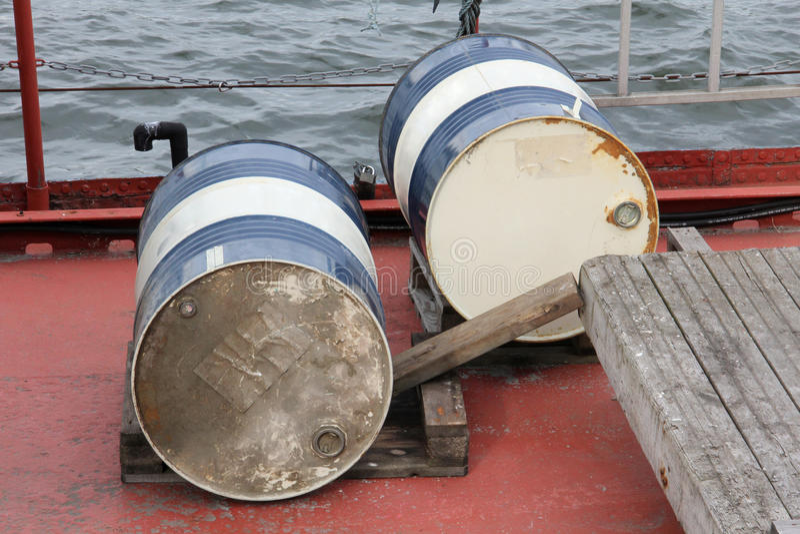 Tambores para o óleo fotografia de stock