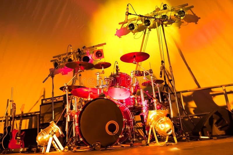 Tambores y luces foto de archivo