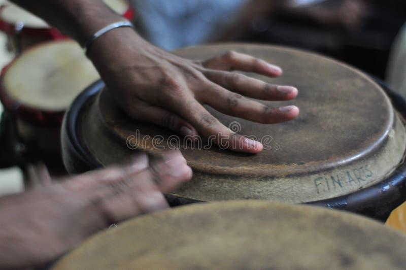 Tambour de bongo images libres de droits
