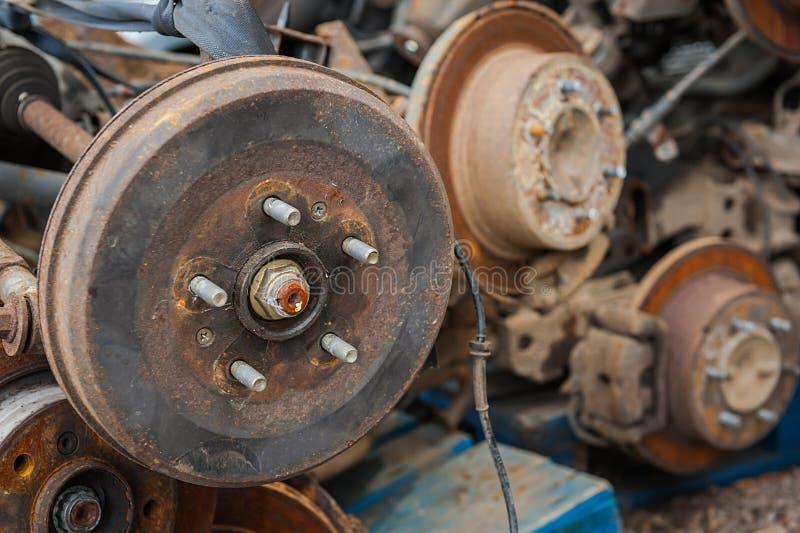 Tambour de frein rouillé de véhicule photographie stock