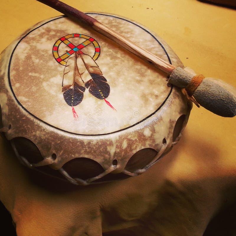 Tambour indigène en cuir photographie stock