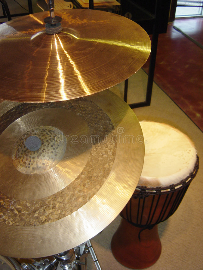 Tambours Des Cymbales N Photographie stock