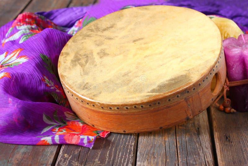 Tamburo etnico tradizionale della mano immagini stock libere da diritti
