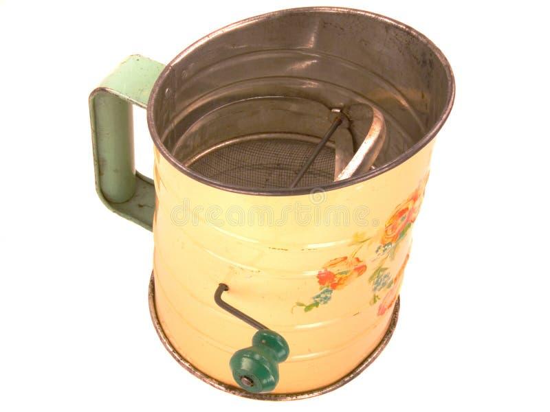 Tamis antique de farine de Tinware photographie stock