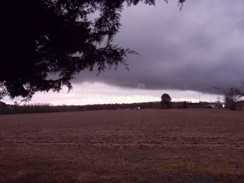 Tampão da nuvem no céu fotografia de stock