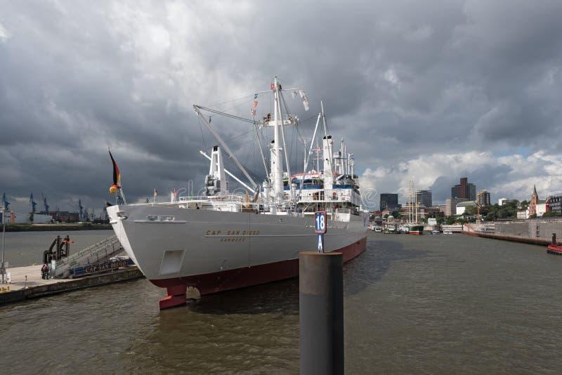 Tampão San Diego do navio do museu no porto de Hamburgo, Alemanha fotos de stock