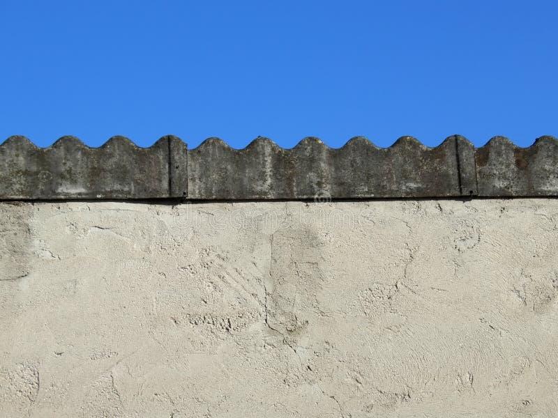 Tampa do telhado do asbesto fotos de stock royalty free