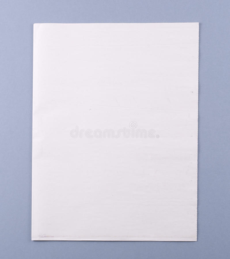 Tampa em branco do jornal com trajeto de grampeamento foto de stock