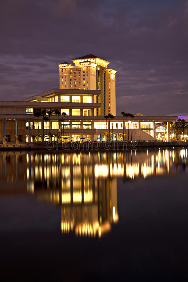 Tampa Floryda Convention Center i odbicie, zdjęcia royalty free